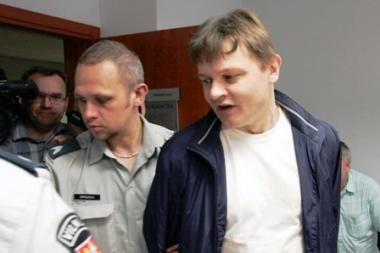 Prokurorai kaltina S.Vitkų 11 mažamečių tvirkinimu ir prievartavimu (papildyta)