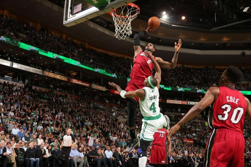 NBA atkrintamųjų pradžioje žadami lengvi favoritų pasivaikščiojimai