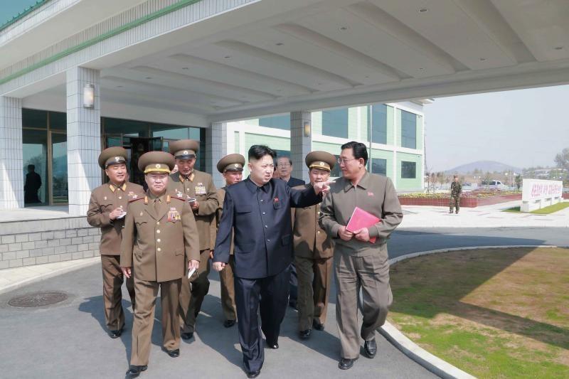 JAV: Šiaurės Korėja išgabeno raketas iš paleidimo aikštelės