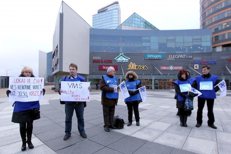 Piketuodamos profsąjungos teismus ragino leisti streikus