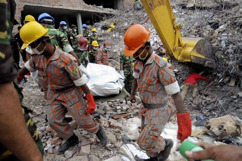 Bangladeše fabriko griūties aukų skaičius viršijo tūkstantį