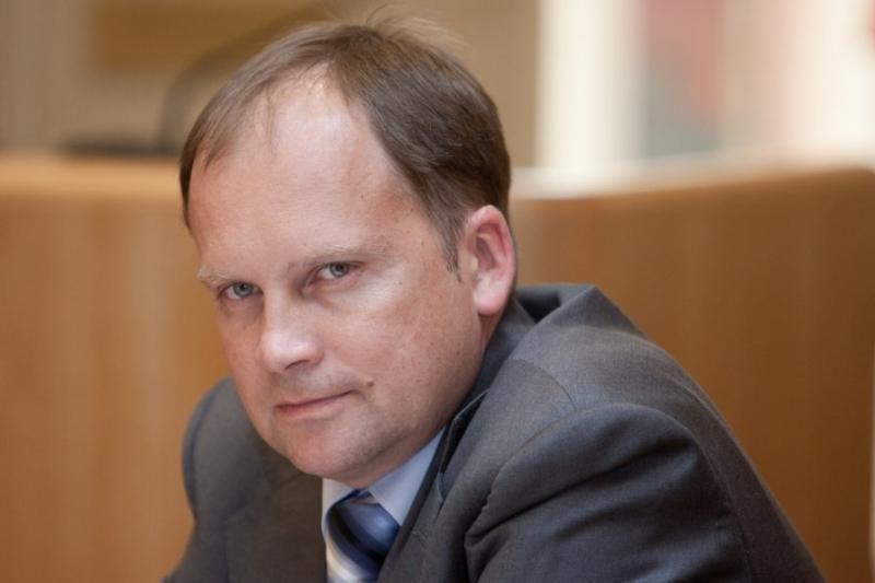 G.Kazakevičiui atkuriamas diplomato statusas