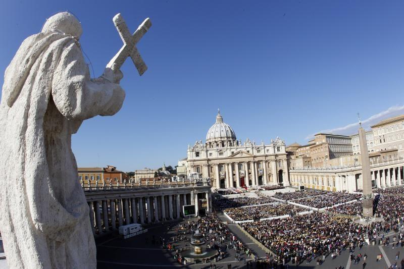 Vatikano atsiprašymo už kunigų pedofiliją neužtenka, sako viena aukų