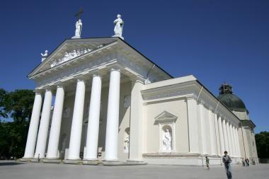 Seimo pirmininkė: privalome gerbti vyskupų sprendimą