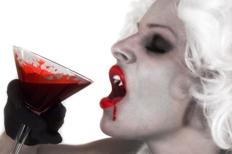 """Bulgarijoje atkasti dviejų """"vampyrų"""" griaučiai"""