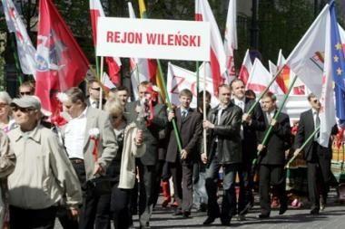 Lenkai dėl pavardžių rašymo nežada nurimti