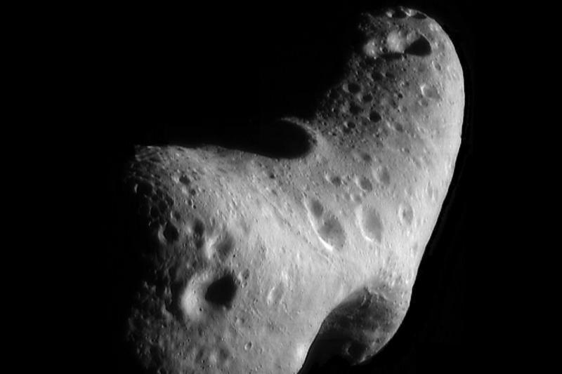 Pro pat Žemę praskriejo autobuso dydžio asteroidas