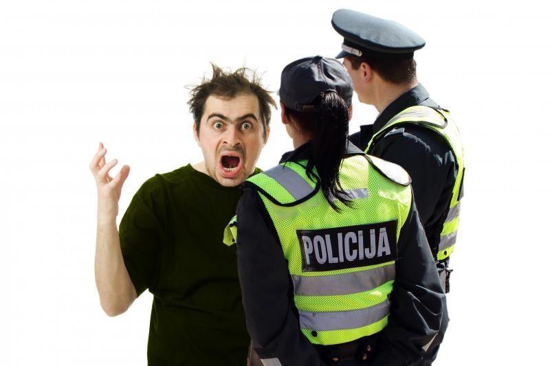Ispanijoje dvigubai didės baudos už vairavimą išgėrus