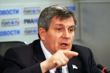 Čečėnijos parlamento pirmininkas Abdurachmanovas gyvas ir evakuotas iš pastato