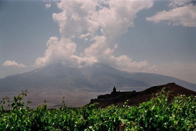 Fotografo Antano Stanevičiaus paroda žvelgia į Armėniją