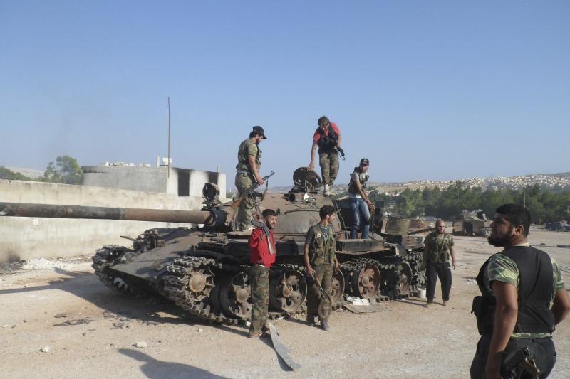 Prancūzija nesiųs ginklų Sirijos opozicijai