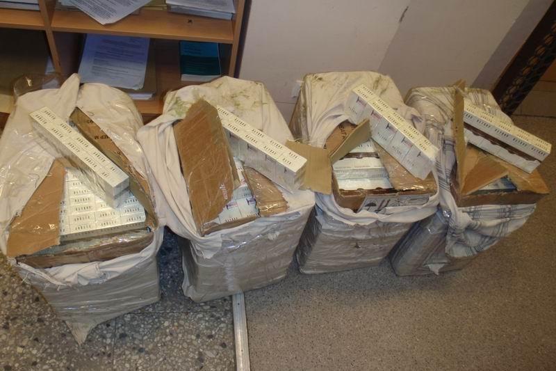 Iš Šiaulių policijos dingo 6 tūkst. pakelių kontrabandinių cigarečių