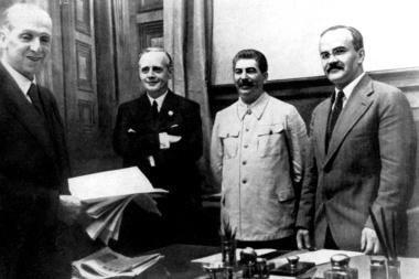 Pusė Rusijos gyventojų nežino, kad buvo Molotovo-Ribbentropo paktas