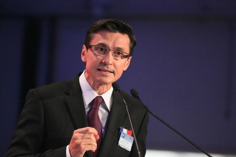 """Prancūzijos ministras išplepėjo žinią apie prabangiuosius """"Renault"""""""