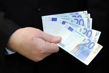 Europoje daugėja suklastotų eurų