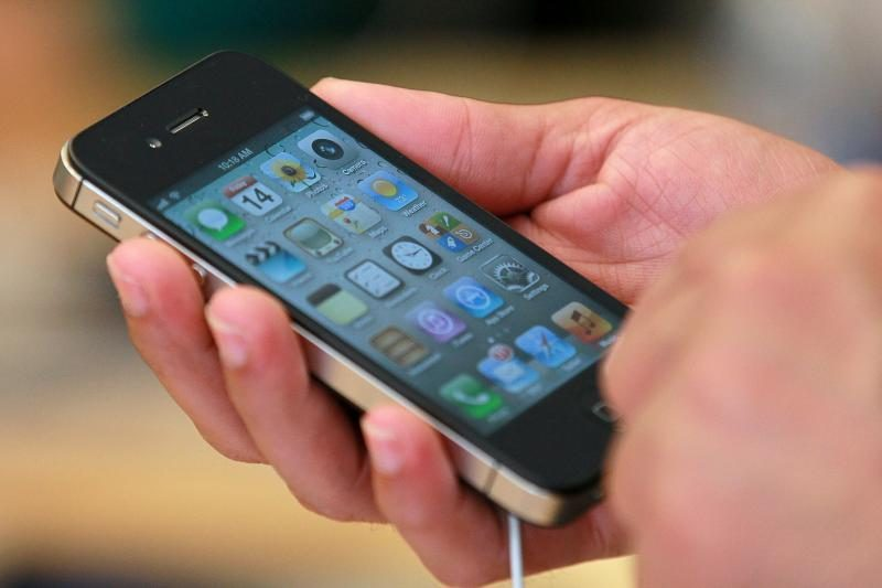 """""""iPhone"""" kompanijai """"Apple"""" uždirbo apie 150 mlrd. JAV dolerių"""