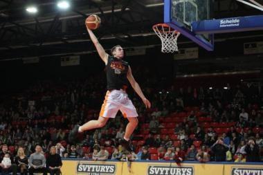 Daugiau nei pusė lietuvių domisi krepšiniu