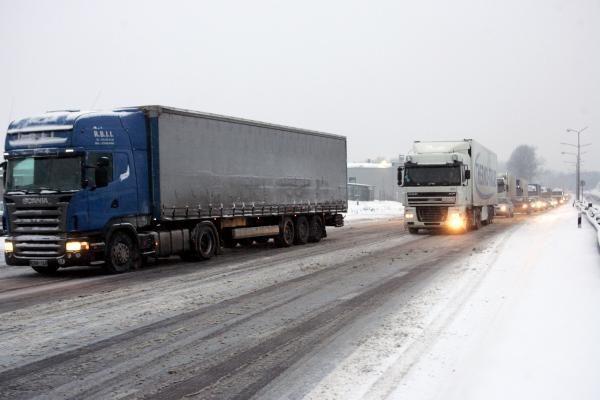 Sniego vargai keliuose baigėsi: Lietuvoje visi keliai išvažiuojami