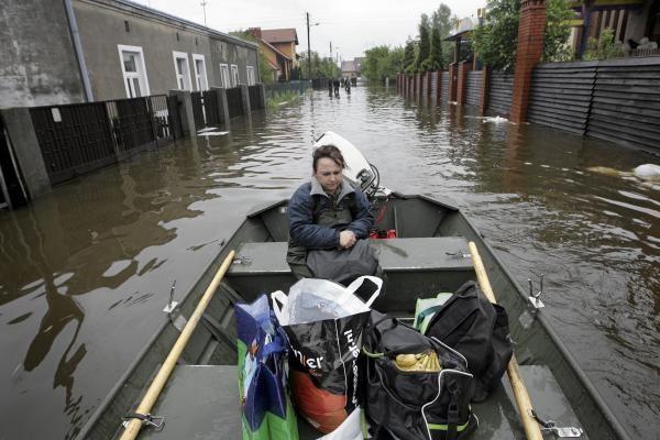 Grįžta potvynio nusiaubtoje Lenkijoje dirbę Lietuvos gelbėtojai