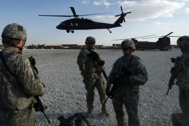 B.Obama siunčia į Afganistaną 30 tūkst. karių