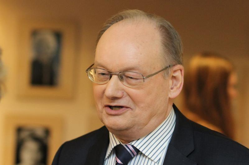Č. Juršėnui ir Č. Stankevičiui siūloma skirti signatarų rentas