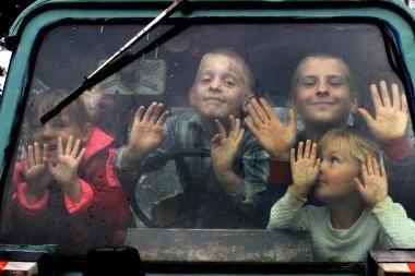 Vaiko teisių sargams nerimą kelia užsienyje tėvų apleisti vaikai