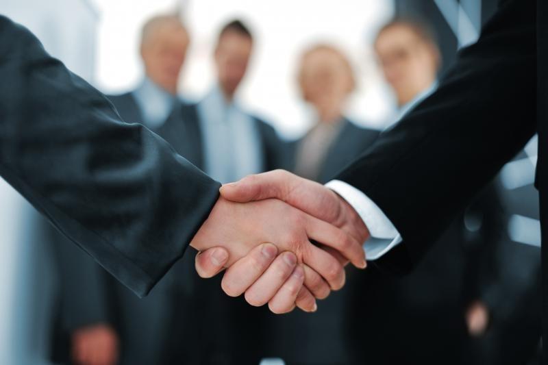 Tyrimas: į verslo sandorių rinką grįžta optimizmas