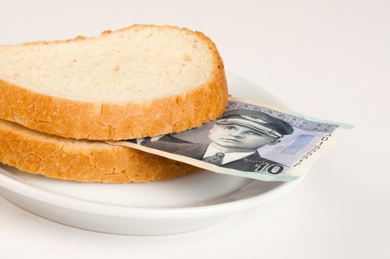 Išlaidos bus mažinamos 4 proc., grąžins pusę pensijų ( dar atnaujinta)