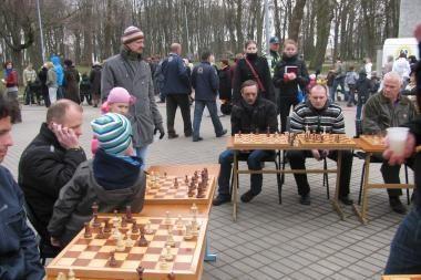 Klaipėdos skulptūrų parke žaidžiama ne tik šachmatais