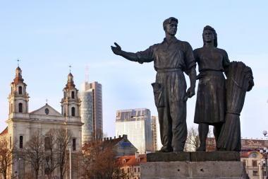 Vilniaus meras žada nugriauti Žaliojo tilto skulptūras