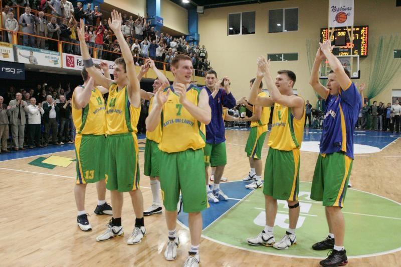 """""""Naftos-Universiteto"""" krepšinio komanda ties išgyvenimo riba"""