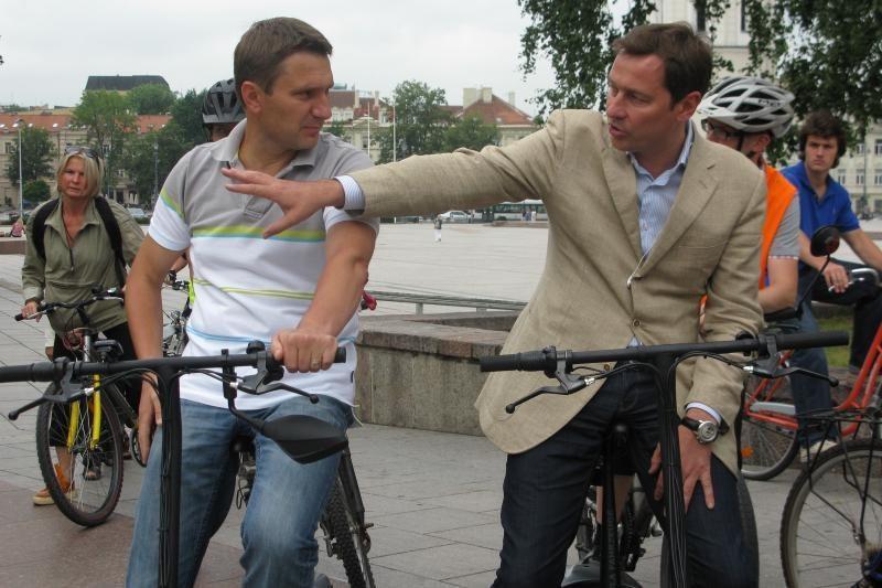 A.Zuokas tvarkyti miestą mokė riedėdamas dviračiu