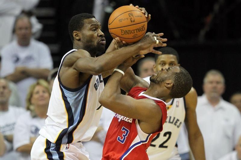 """Stebuklingai išsikapstę """"Clippers"""" šventė pergalę"""