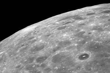NASA Mėnulyje aptiko vandens