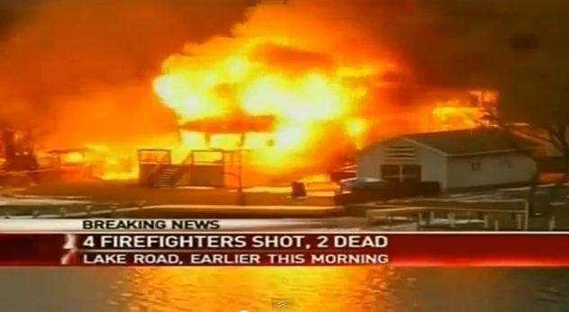 Atvykę gesinti ugnies du ugniagesiai buvo nušauti, dar du - sužeisti
