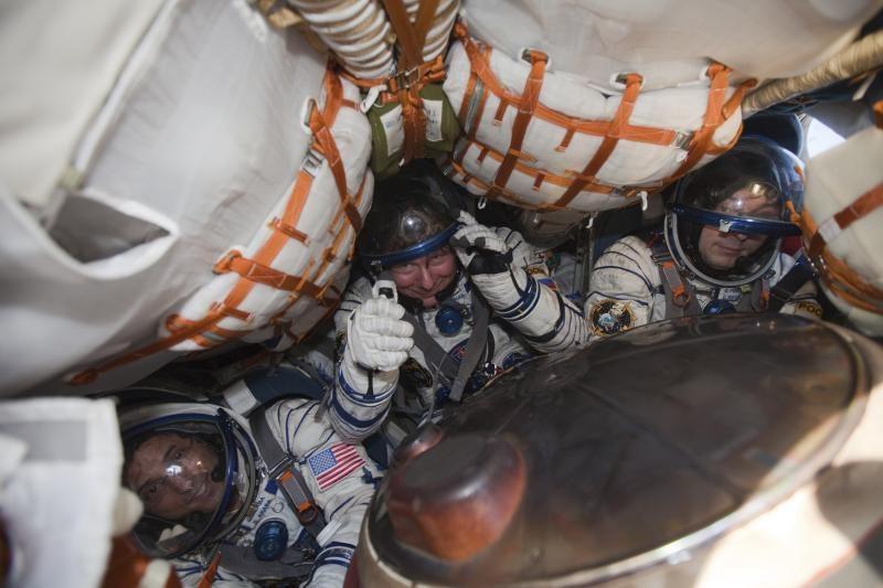 TKS įgulos narių grįžimas į Žemę atidėtas dėl blogų orų
