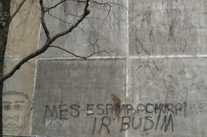 Sieną dažais nutepliojęs vandalas gali sėsti už grotų