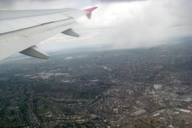Baimę skristi lėktuvu padės įveikti specialūs kursai