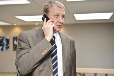 Seimo milijonierius iš banko išėjo nieko nepešęs