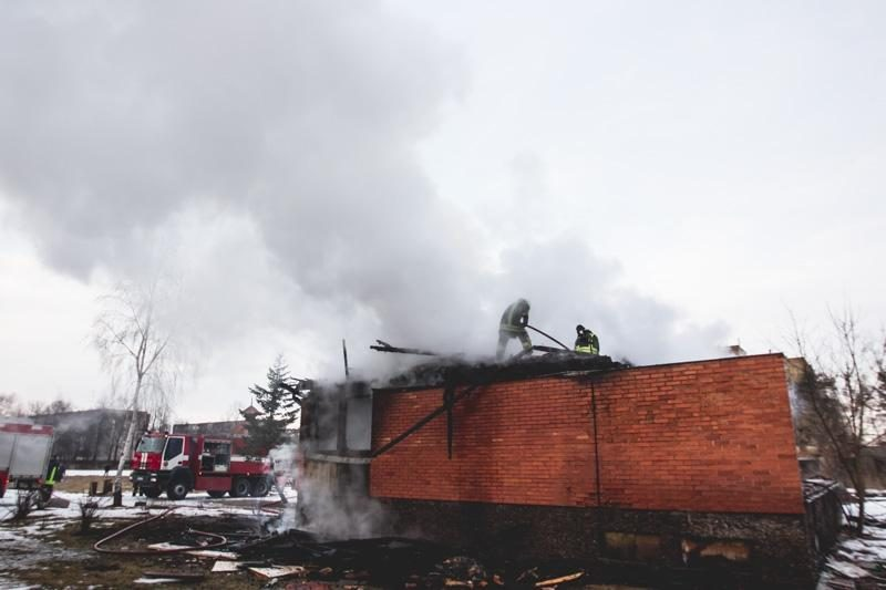 Kaune užsiplieskė namas, bet niekas nenukentėjo
