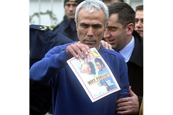 """Į popiežių šovęs turkas nori Kroatijoje rašyti naują """"bibliją"""""""