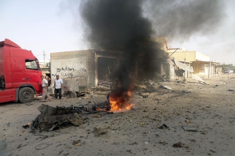 """""""Al Qaeda"""" prisiėmė atsakomybę dėl 72 gyvybes nusinešusių sprogdinimų"""