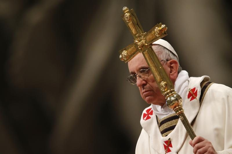 Popiežius Pranciškus pirmąkart ves Didžiojo penktadienio liturgiją