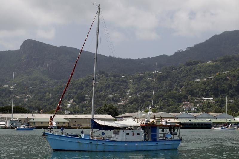 JAV pakrančių sargyba patrankos šūviais paskandino japonų laivą