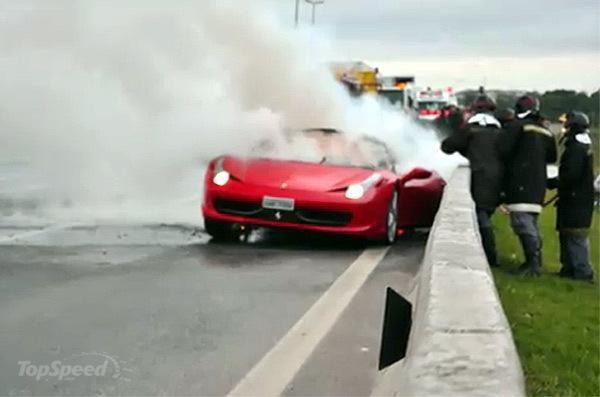 """Ferrari 458 Italia"": dar vienas liepsnojantis automobilis"