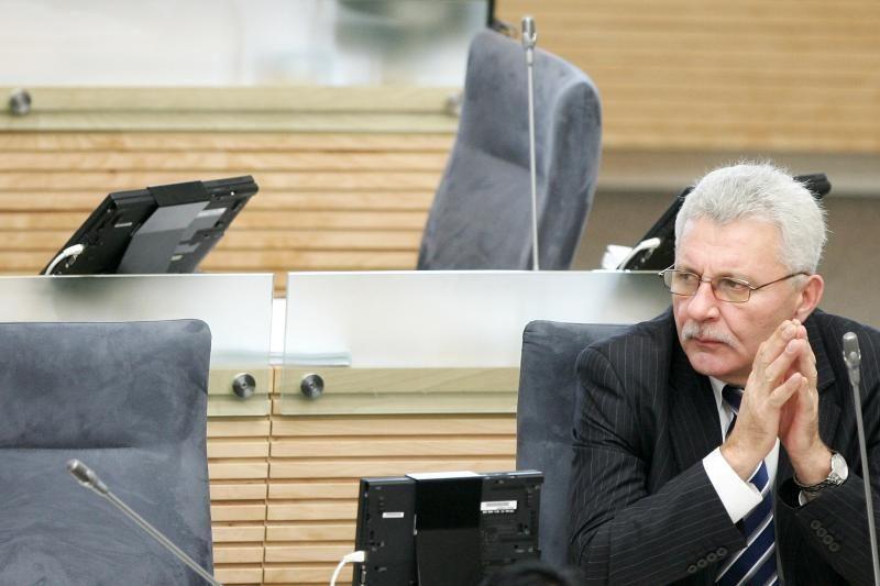 A.Salamakinas vėl verčiamas iš Seimo etikos sargų vadovų