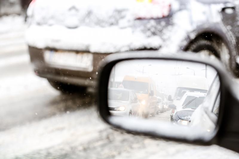 Patarimai, kaip žiemą valyti savo automobilį