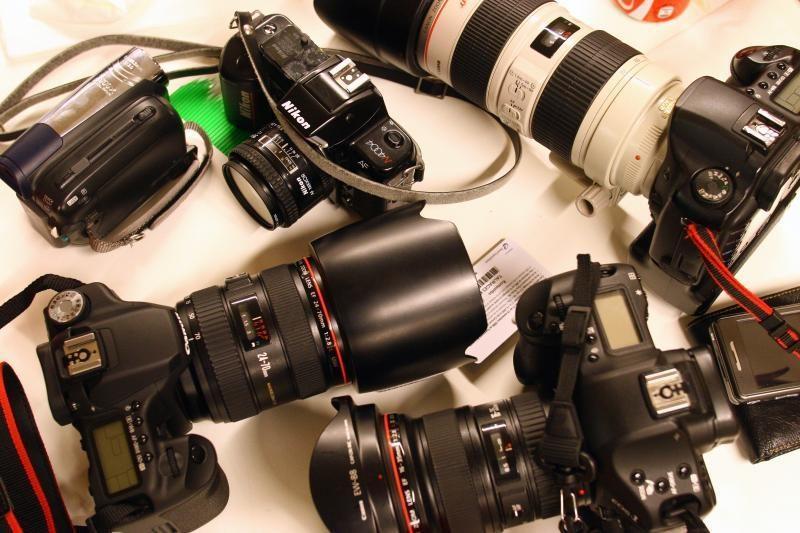 """""""Canon"""" ruošia kompaktiškus fotoaparatus su keičiama optika"""