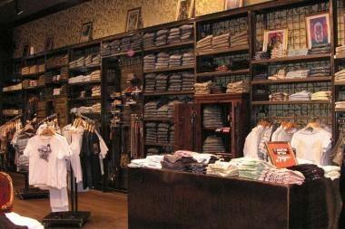 """Klaipėdoje – pirmoji """"Lee Cooper"""" džinsų parduotuvė Lietuvoje"""