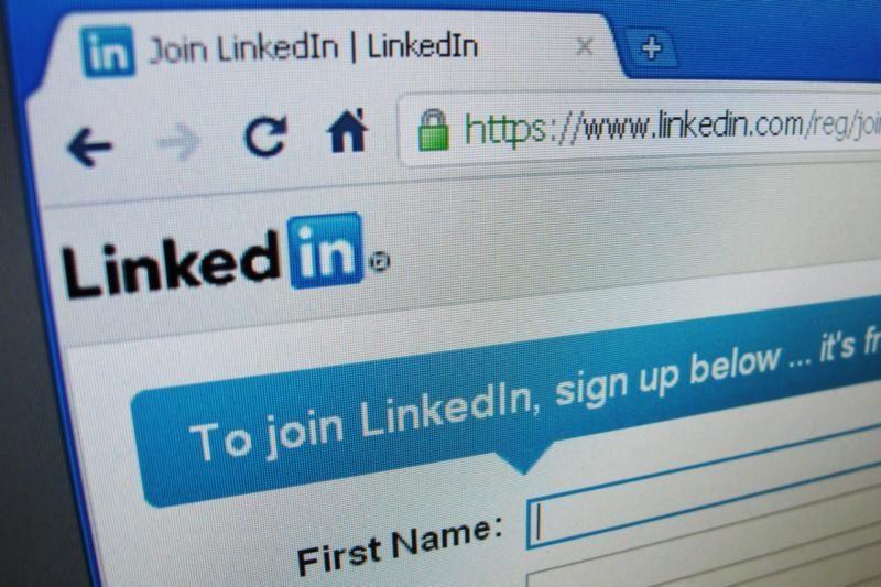 """""""LinkedIn"""" vartotojai raginami pasikeisti slaptažodžius"""